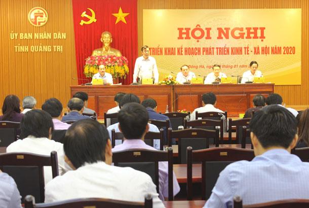 Chủ tịch UBND tỉnh Nguyễn Đức Chính phát biểu kết luận hội nghị